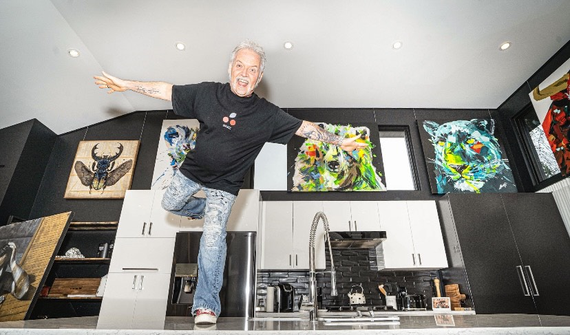 Welcome to the World of Quebec's Largest Private Art Collector, Alain Lachance, Founder of SRIIZ